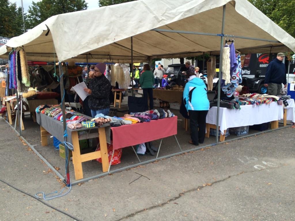 Markkinat keräsivät yli 200 kauppiasta. Kuva: Tuomas Kuhalainen